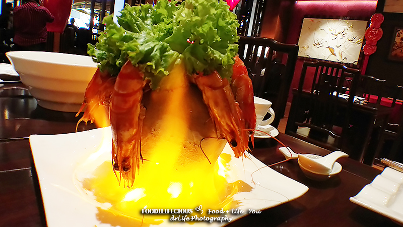 A truly authentic Vietnamese cuisine by the Vietnamese chef located in Resorts World Genting. Beautifully decorated with the wooden frameworkwith colorful lanterns that enhance the Asian accent to their restaurant.