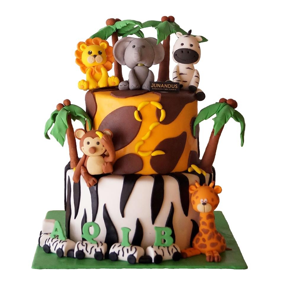 Junandus Young And Inspiring Home Baker With Incredible Customized Cake Foodilifecious